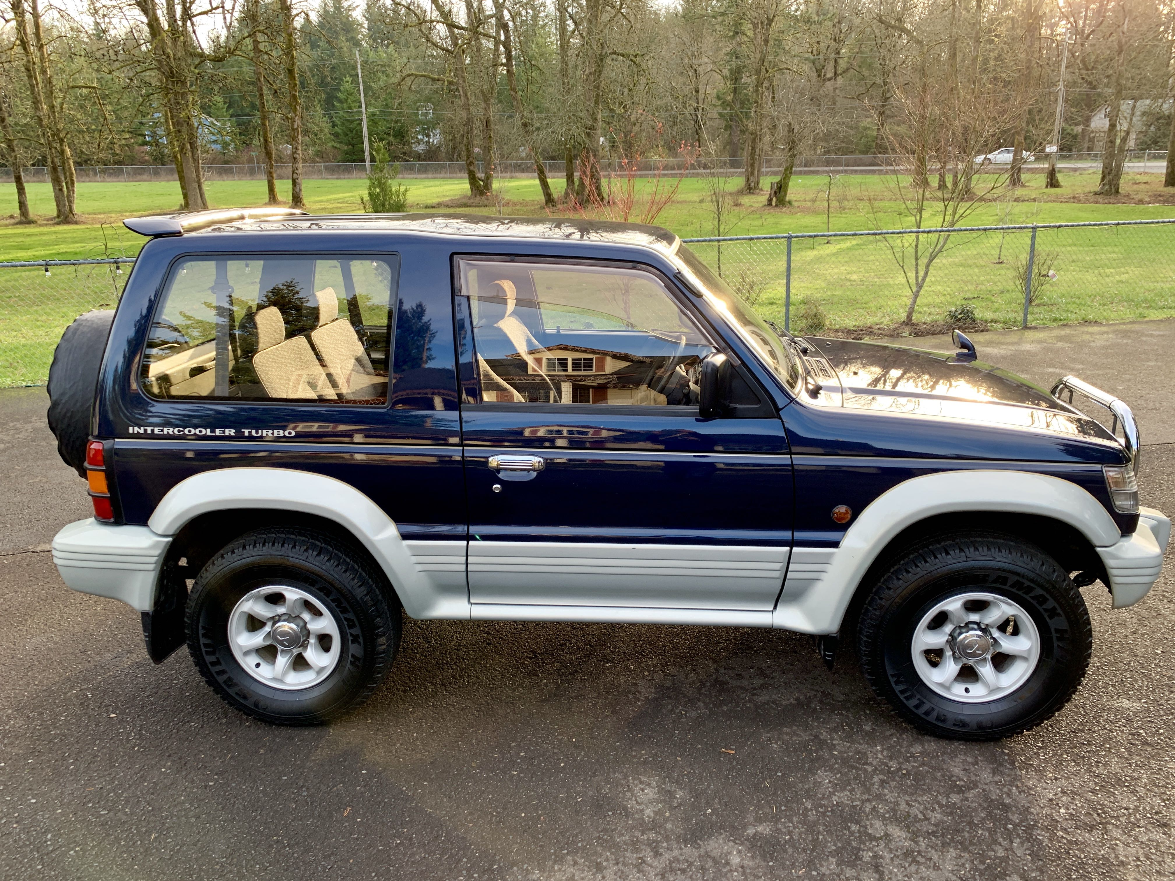 Boeki USA   Used 1993 Blue Mitsubishi Pajero Turbo Diesel